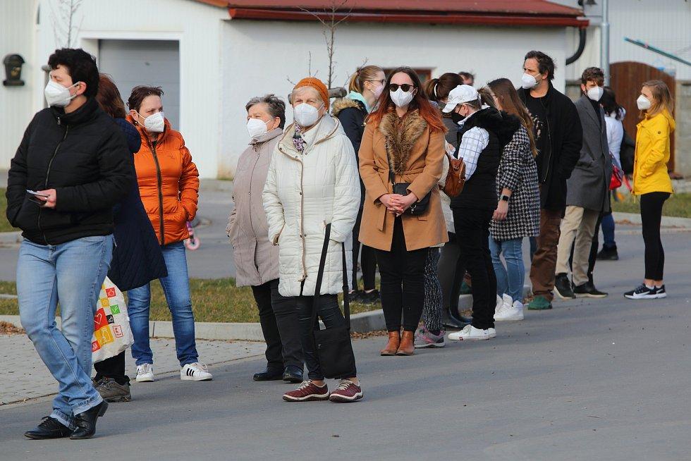 Testování na covid ve Vejprnicích.