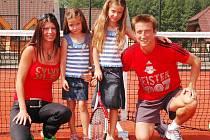 Baterky dobíjí mistr Rakouska v kruhu rodiny. S manželkou Ivetou vychovávají dcery Yvetu a Vanessu