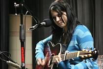 V plzeňském divadélku Pluto se během pátku a soboty uskutečnilo republikové kolo 12. ročníku soutěže mladých kytaristů Zlatá struna.