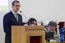 Daniel Křetínský na zastupitelstvu v Plzni.