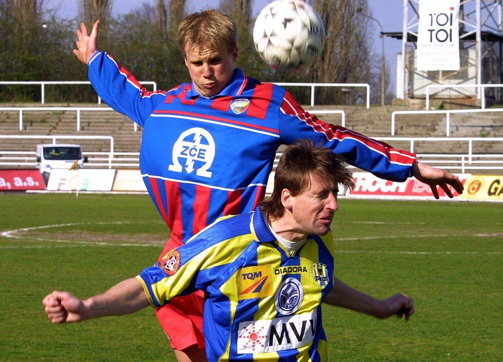 David Limberský v druholigovém zápasem s Opavou na jaře 2003, v jeho první sezoně v áčku Viktorie Plzeň.