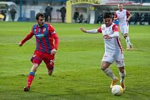 Milan Havel (vlevo) rozhodl svým gólem o vítězství plzeňské Viktorie nad Pardubice.