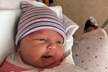 Ema Hostašová z Plzně se narodila 29. dubna ve 2:55 hodin mamince Tereze a tatínkovi Honzovi. Po příchodu na svět v plzeňské FN na Lochotíně vážila jejich dcerka 2990 gramů a měřila 49 centimetrů.