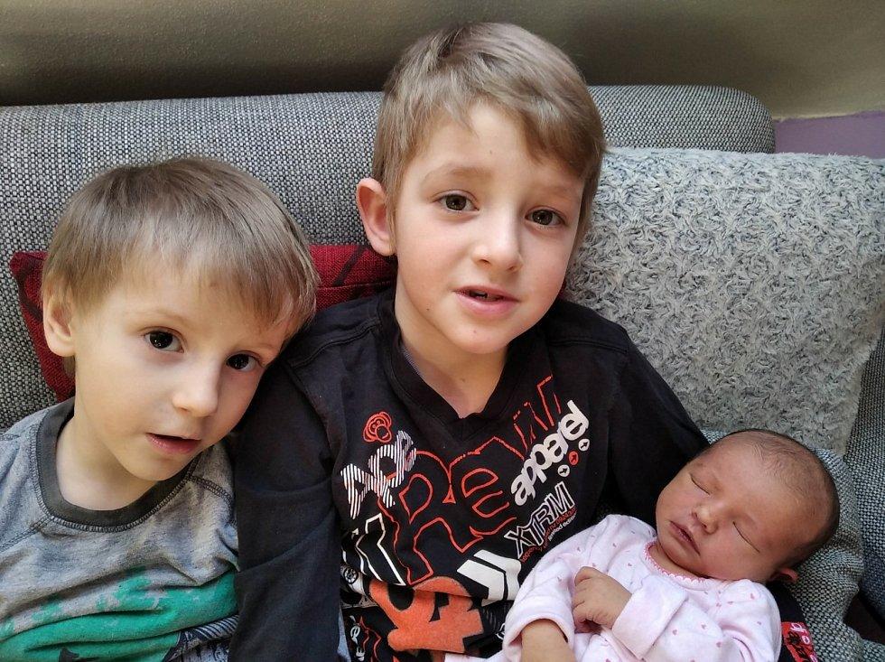 Klaudinka Lepší z Tužic tolik spěchala s příchodem na svět, že se narodila doma 14. února ve 2:20 hodin (3070 g, 50 cm). Pohlaví miminka věděli rodiče Michaela a Miroslav dopředu. Z malé sestřičky mají radost její starší bráškové Vojtíšek (6) a Mireček (3