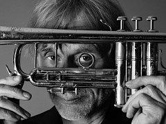 Eriku Truffazeovi bude patřit hned druhý festivalový den. Světový trumpetista se svým kvartetem vystoupí v plzeňské Měšťanské besedě v pátek 16. října.