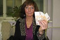 Dagmar Hořejší vyšla jízda tramvají na 600 korun. Peníze by přitom mohla využít mnohem  účelněji. Stará se totiž o nemocnou maminku, které se snaží ze svého platit potřebné léky