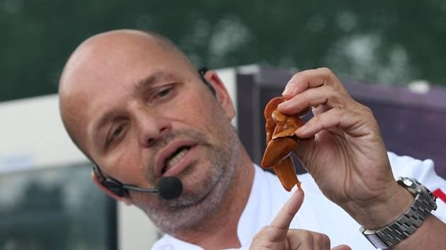 Zdeněk Pohlreich přitahuje pozornost hlavně v televizi, nyní je hostem plzeňského ApetitFestivalu