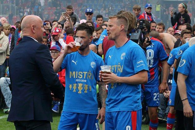 Poslední titul vroce 2018, David Limberským sdlouholetým kamarádem Milanem Petrželou a klubovým bossem Adolfem Šádkem.