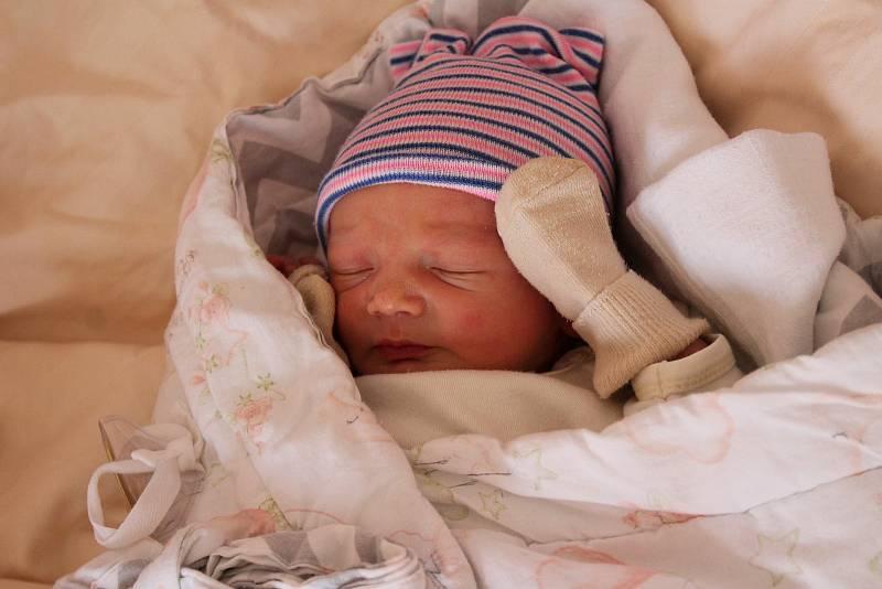 Martin Kohout (3530 g) se narodil 11. července ve 23:30. Rodiče Veronika a Martin z Plzně přivítali svého prvorozeného syna společně.