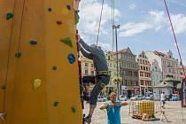 Horolezecká stěna na Náměstí Republiky v Plzni