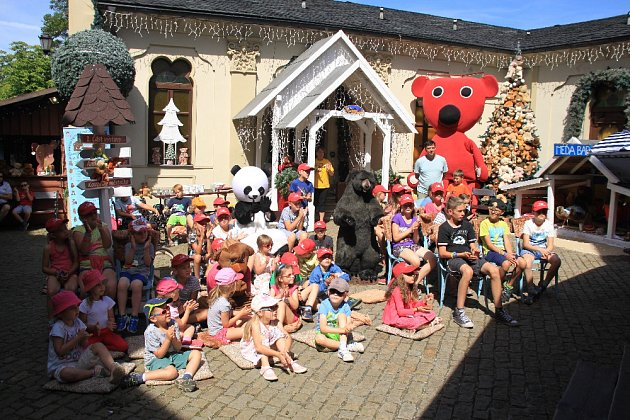 Mezinárodní festival medvídků ve Vánočním domě v Karlových Varech.
