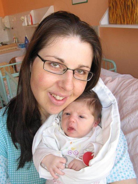 Lence a Aleši Panuškovým z Pačejova se 31. března sedmnáct minut před desátou hodinou dopoledne narodila v Mulačově nemocnici dcera Laura (3,20 kg/49 cm), na kterou se doma moc těší tříletý bráška Adámek