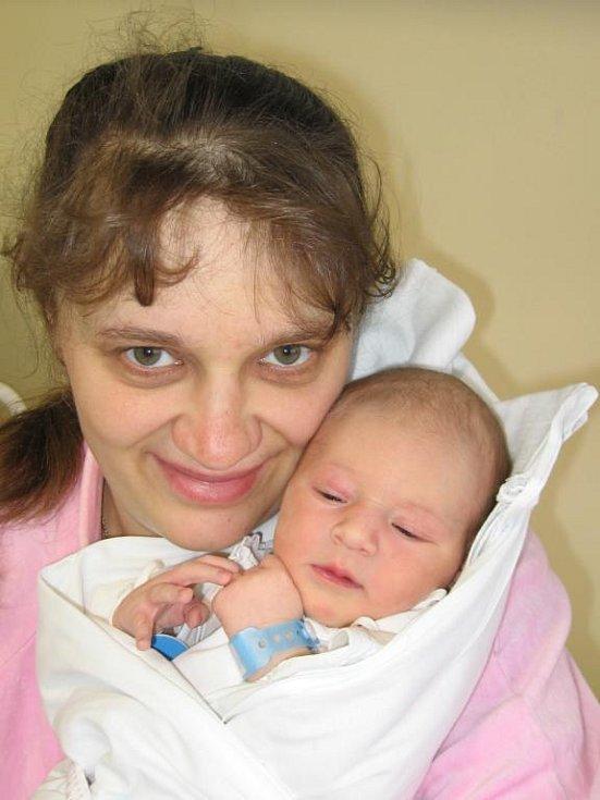 Filípek (3,30 kg/52 cm) se narodil rodičům Mileně a Miroslavu z Horšovského Týna 1. dubna v 11.50 hod ve Stodské nemocnici