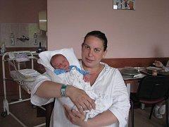 David (3,19 kg, 49 cm) se narodil 28. 5. v 11:19 ve Fakultní nemocnici v Plzni. Na světě svého prvorozeného syna přivítali maminka Adriana Lukáčová a tatínek David Chmelař  z Plané