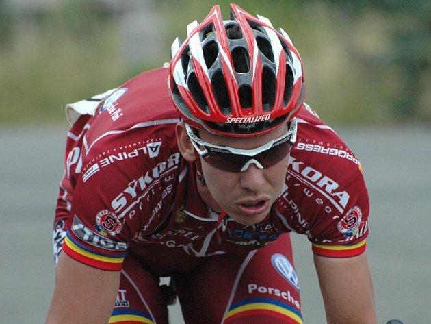 Velkou cenu Enervitu, sedmý díl cyklistické Giant ligy, vyhrál v sobotu v Plzni Tomáš Okrouhlický ze Sparty Praha.
