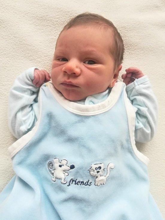 Kryštůfek Bílek ze Sušice se narodil v klatovské porodnici 15. ledna ve 2:54 hodin (51 cm, 3990 g). Maminka Martina a tatínek David předem věděli, že se jim narodí chlapeček. Doma se ho už nemohou dočkat sestřičky Martinka (6) a Zuzanka (4).