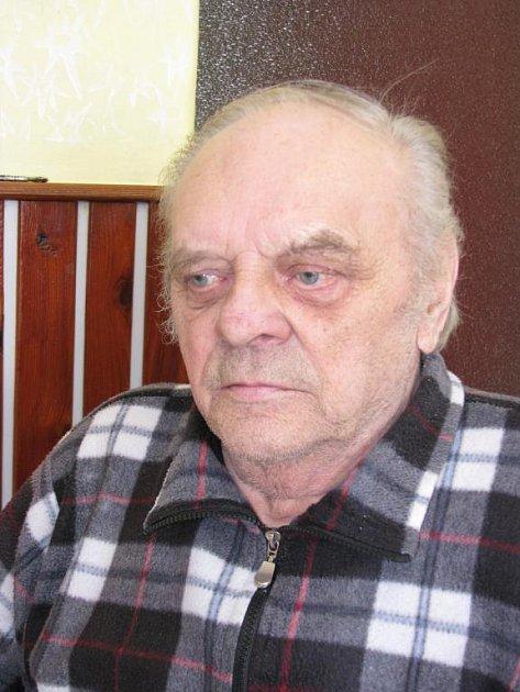 Václav Klesa. Zasloužilý hasič, který dopsal dvacet let, které chyběly v kronice SDH Žinkovy