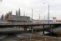 Mosty na Rokycanské třídě jsou od pondělí oficálně otevřené
