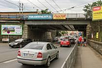 Železniční viadukty u hlavního vlakového nádraží a  Mikulášskou  třídu  čeká rekonstrukce.