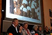 Sylvia Klánová (druhá zleva)