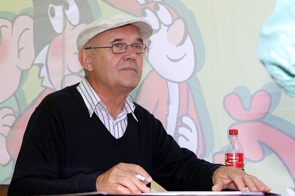 Kreslíř Jaroslav Němeček.