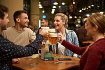 Češi se vrátili do hospod, Prazdroj hlásí růst prodejů sudového i tankového piva.