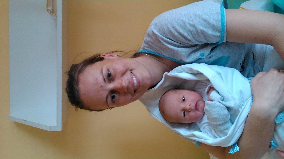 Adam Měšťánek se narodil 14. května mamince Janě Šumové a tatínkovi Petrovi. Po příchodu na svět vážil jejich synek 3400 gramů.