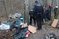 Městská policie na kontrole bezdomovců