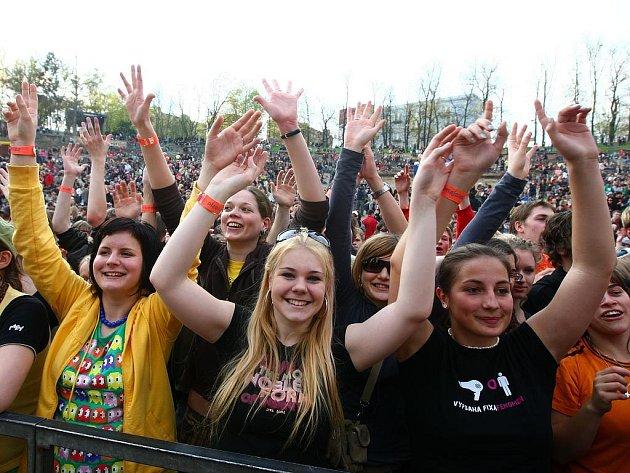 Open air festival, který zakončil letošní majáles, navštívily tisíce lidí.