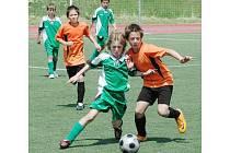 Fotbaloví žáci 33. ZŠ Terezie Brzkové v Plzni (oranžové dresy) vybojovali v celostátním finále turnaje Mc Donald´s Cup šesté místo