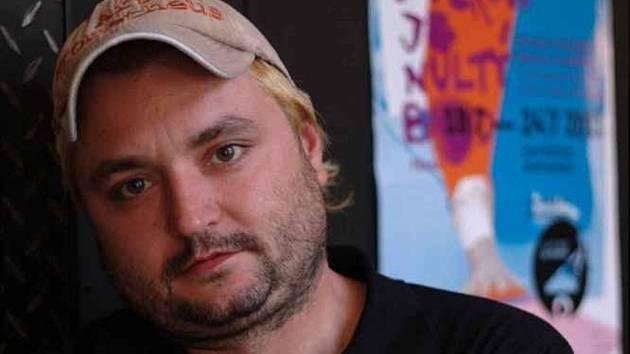 Jakub Vedral je ředitelem multižánrového festivalu Živá ulice a zároveň vede občanské sdružení ART Prometheus.