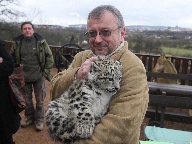 Binal neboli Princezna. 82 dní starý uzlíček vážící 5,5 kg ve středu pokřtil novopečený starosta Lochotína Miroslav Brabec