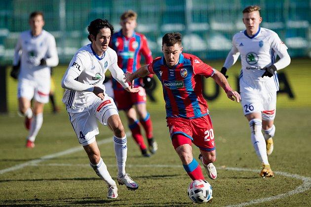 Plzeňská záložník Pavel Bucha utkání vMladé Boleslavi, kde vroce 2019hostoval zViktorie, kvůli zranění nedohrál.