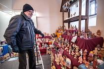 Letošní expozice velkého betléma v mázhausu plzeňské radnice se skládá z osmi set figurek.