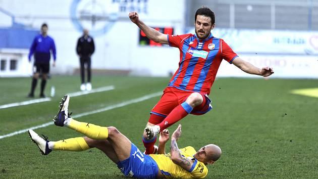 Obránce Milan Havel v zápase proti Teplicím.