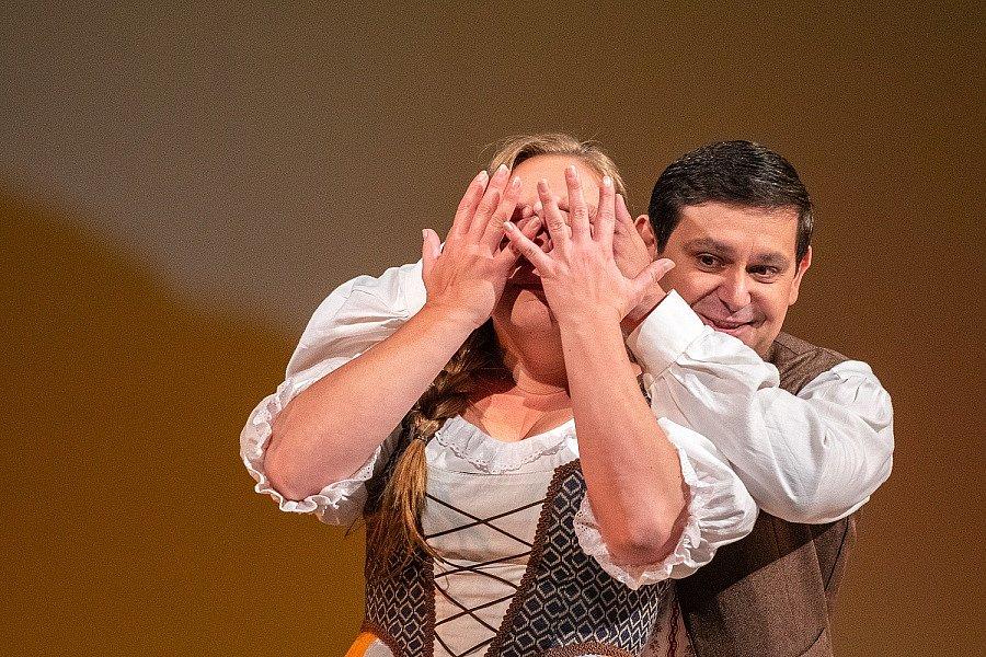 Z opery Šelma sedlák.