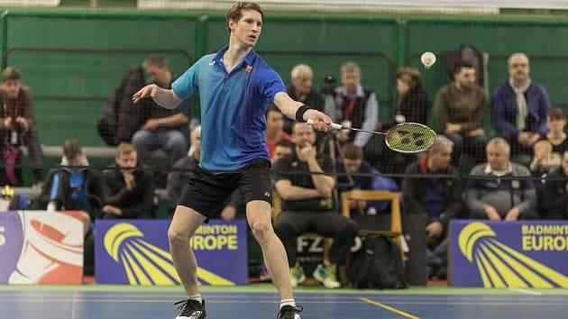 Český badmintonový reprezentant Jan Louda z USK Plzeň získal stříbrnou medaili na mezinárodním turnaji ve Slovinsku.