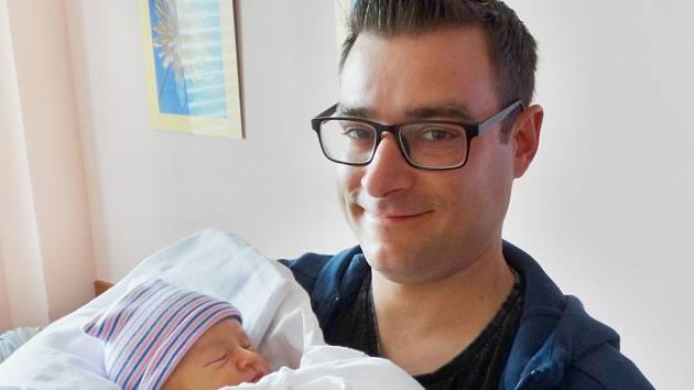 Nikola Kružejová se narodila 5. května ve 2:31 mamince Martině a tatínkovi Luďkovi zPlzně. Po příchodu na svět vplzeňské FN vážila jejich prvorozená dcerka 3500 gramů a měřila 51 centimetrů.