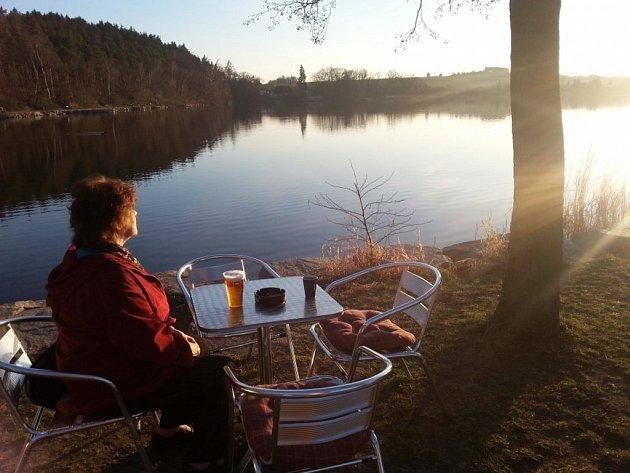 Snímek Pohoda u Boleveckého rybníka (z března 2013) od Jany Kluskové dokazuje, že organizátoři Plzeňského rodinného fotoalba neshánějí jen historické fotografie