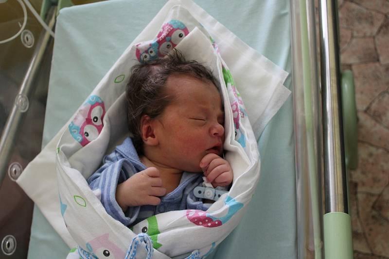 Jakub Jan Smékal (3260 g) se narodil 7. července ve 3:47 vMulačově nemocnici vPlzni. Na světě svého prvorozeného chlapečka přivítali společně rodiče Jana a Jan z Plzně.