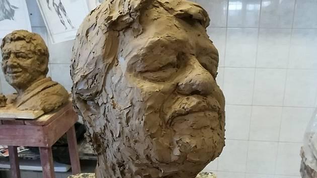 Studenti vzpomenou výstavou na Jana Kastnera