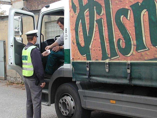 Na kontrolu řidičů nákladních vozidel se včera 9. října zaměřili policisté v Plzni při dopravně bezpečnostní akcí
