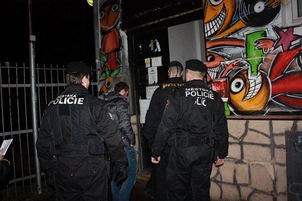 Policie během akce navštívila několik podniků