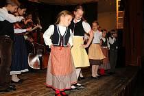 Malou muziku z Chrástu tvoří děti z místní ZUŠ.