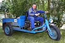 Tradiční traktoriáda v Žebnici. Na snímku Jan Šmatlák