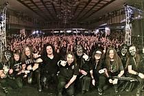 Arakain a Dymytry zahájili své letošní společné turné před zaplněným sálem v Polné na Vysočině. Tento týden zahrají v plzeňské Šeříkovce a ve Stříbře.