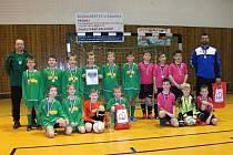 Vítězem turnaje příprevek se stal Dioss Nýřany (hráči v zeleném), který ve finále zdolal celek FK Žákava (vpravo).
