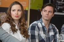 Představitelé hlavních rolí Kateřina Falcová a Pavel  Režný.