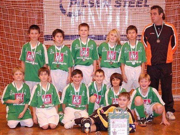 Pořadatelský tým turnaje Petříňáček pro desetileté fotbalisty, SK Plzeň 1894, skončil zosmi týmů na třetím místě.