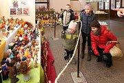 Velký plzeňský betlém se díky figurkám vyráběným Plzeňany i lidmi zokolí stále zvětšuje.